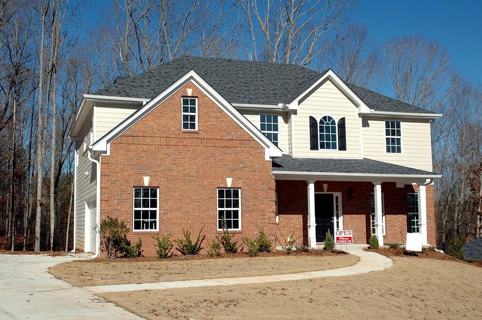 Find en lokal og hjælpsom ejendomsmægler
